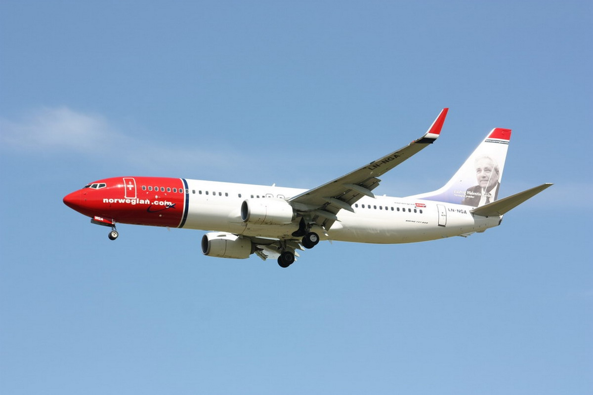 Boeing 737-8JP Norwegian Air Shuttle